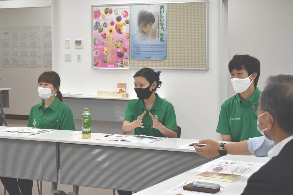 各部署より、入社2年目~6年目の若手社員が懇親会に参加しました。
